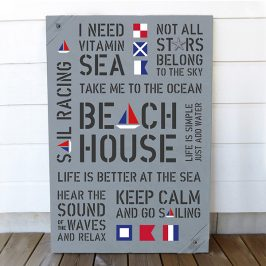 Tavla i New England stil med signalflaggor och tema BEACH HOUSE