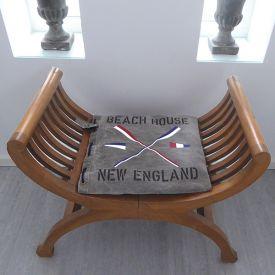 Dyna i New England stil med vimplar och åror samt valfria texter